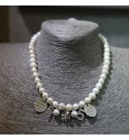 白色珍珠吊飾頸鏈